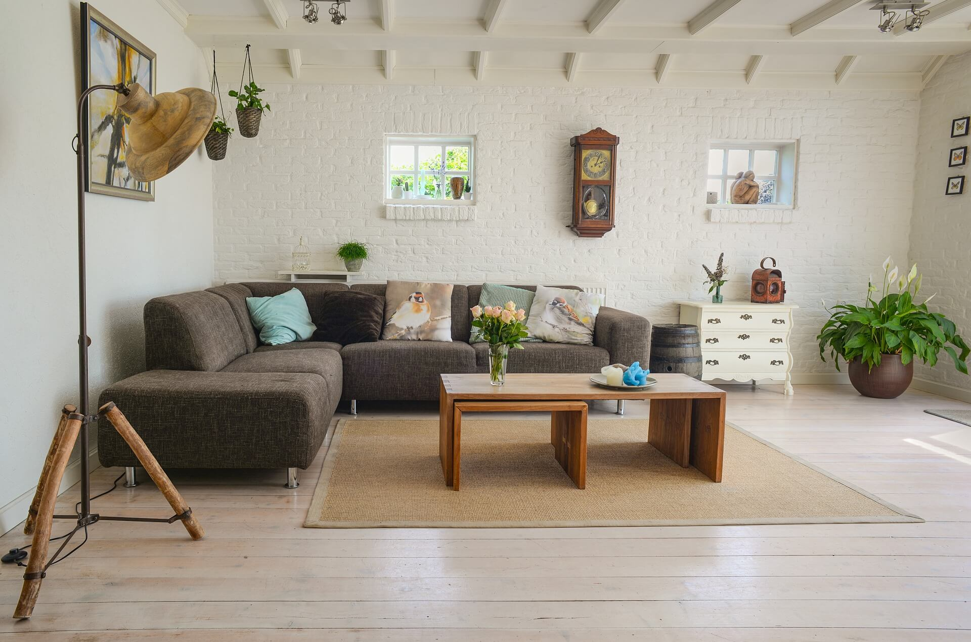 The Mortgage Professionals-living-room-2732939_1920 (1)
